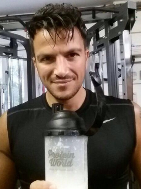 peter-andre-post-workout-gym-selfie-twitter-1406648075-view-1